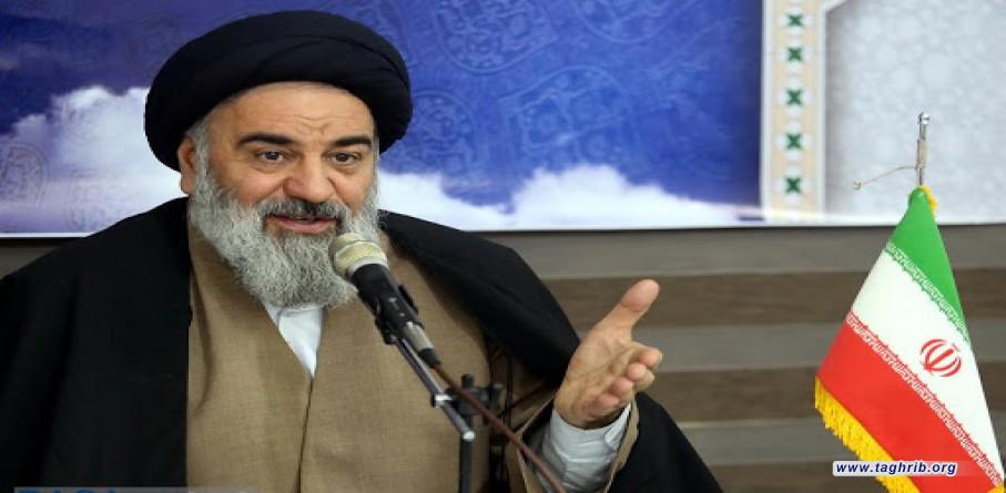 آحاد امت اسلامی باید به پیروی از حضرت علی(ع)از وحدت و کیان اسلام پاسداری و محافظت کنند